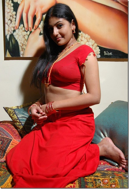 mounika_in_red_saree_01