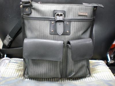 愛用している縦長のバッグ