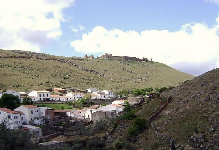 Vista desde Trasierra de la Alcazaba Áraba de Reina