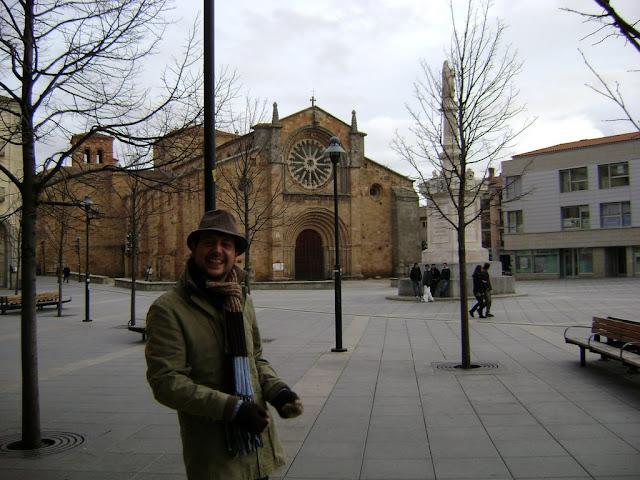 Yo en la Plaza Mayor de Ávila