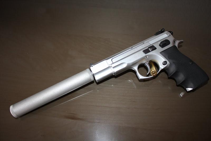 Tir longue distance afficher le sujet pistolet 22lr avec silencieux - Pistolet a eau longue portee ...