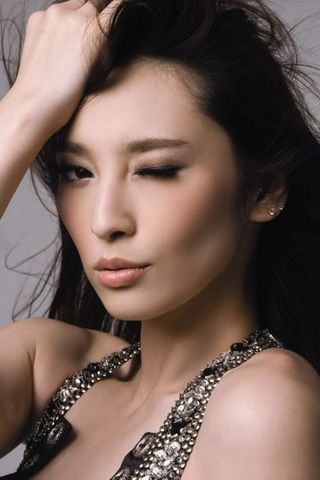 Pace Wu Taiwan Stunning Beauty Wallpaper For iPhone