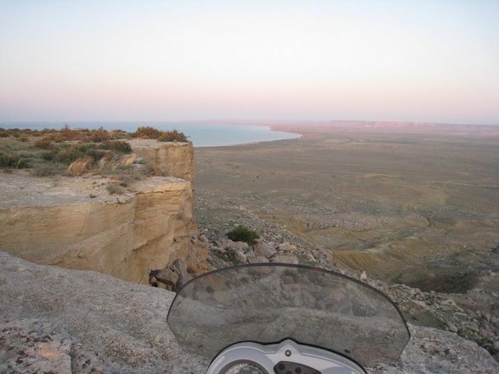 Возле обрыва в каньоне Султан-эпесай