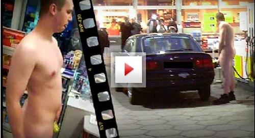 Após aposta, jovem nu é flagrado abastecendo o carro na Alemanha