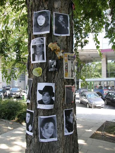 Michael Jackso, Budapest, memorial