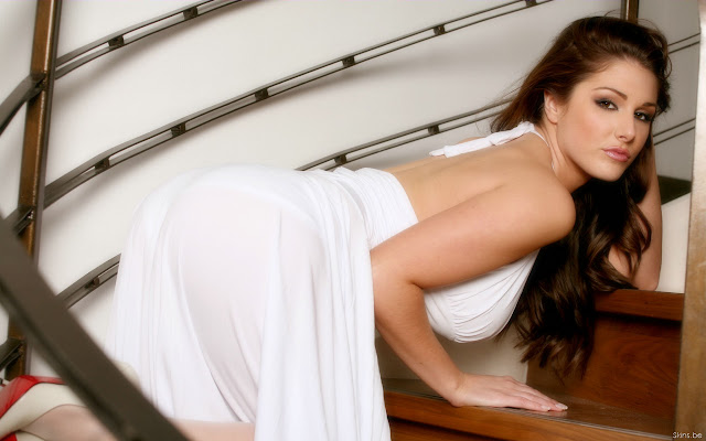 Lucy Pinder Ulta Sexy Bikini Lingerie Topless.jpg