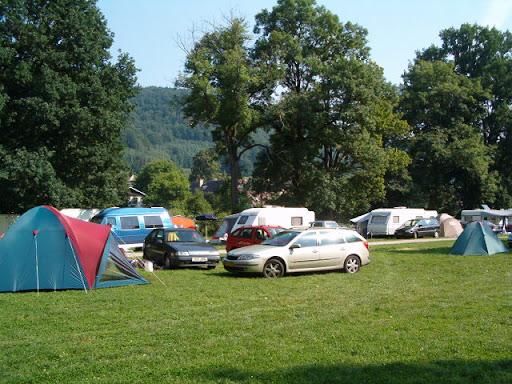 huurtent op camping Ostrov