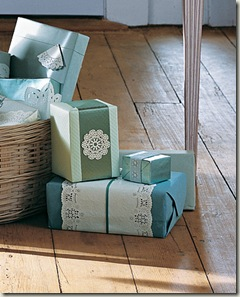 mla103942_1208_doilgiftwrap_xl