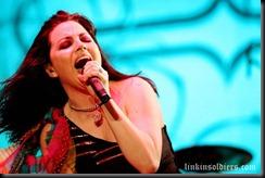 Evanescencemaquinaria-festival-2009-evanescence_f_012LinkinSoldiers [Original Resolution]