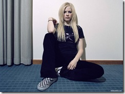 avril-lavigne-1600x1200-19717 LinkinSoldiers