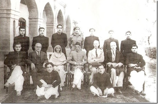 biography of sir syed ahmad khan
