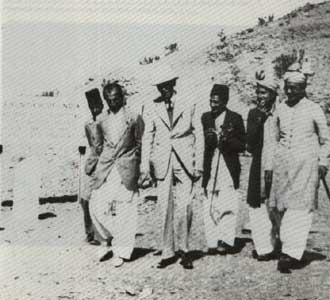 [Quaid-e-Azam at the Afgan Border (1935)[5].jpg]