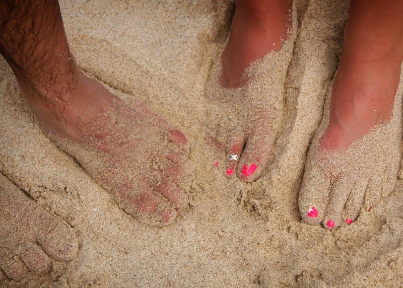 sandy feet 5x7