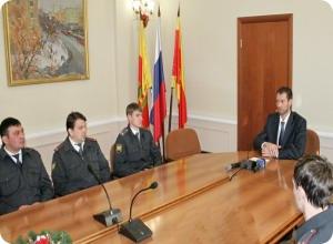 Глава администрации поощрил участковых уполномоченных