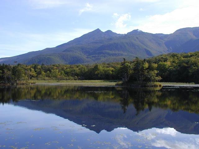 知床五湖と硫黄岳