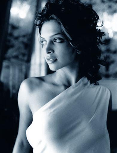 topless beauty deepika padukone   latest tamil actress