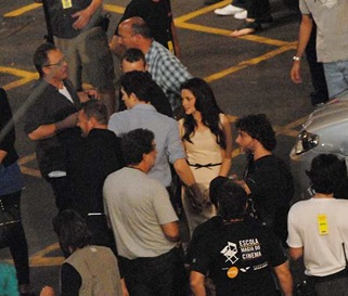 "© QUEEN INTERNATIONAL<br />REFERENCE: REIS<br />Rio de Janeiro, Brazil, November 7th 2010<br />KRISTEN STEWART AND ROBERT PATTINSON SHOOTING ROMANTIC SCENES IN BRAZIL.<br />The Twilight star couple are shooting the second part of the movie ""Braking Dawn"", called ""Isle of Esme"" in Rio de Janeiro. Both were tender with each ther required by the script, but also out of the cameras."