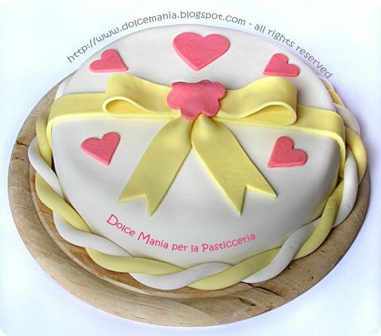 dolce mania per la pasticceria: torta con pasta di zucchero