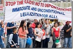 20080502_immigration_march_33 stop raids