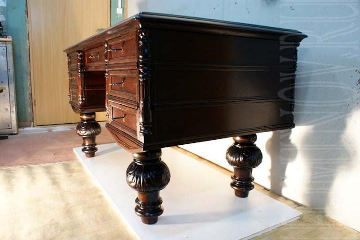 антикварный стол, что подарить, отреставрировать антикварный стол в петербурге