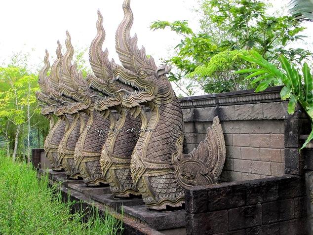 Betong Dragon Statue