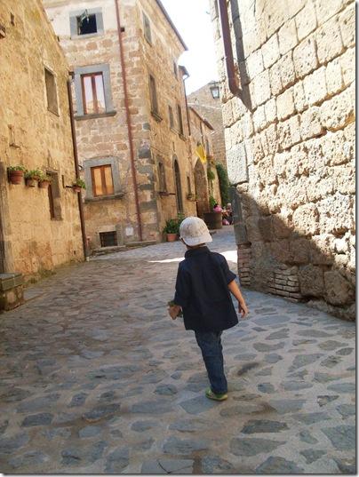 Aj per le strade della Civita