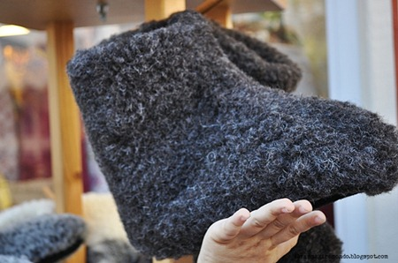 pantofole di lana in un negozio di OrtiseiDSC_0045