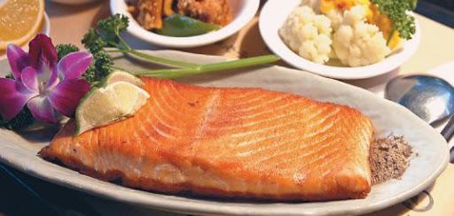 台中公益路美食-香煎檸檬鮭魚
