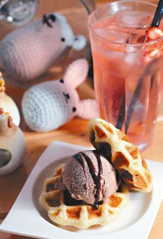 甜牙齒俱樂部-冰淇淋鬆餅、草莓泡泡 -喜生米漢堡分享