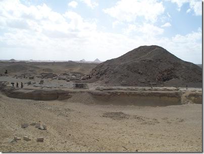 12-29-2009 043 Saqqara - view of Dashur pyramids