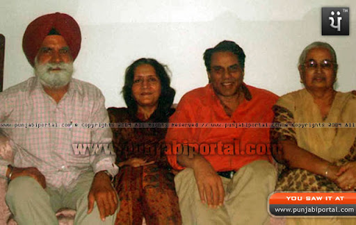 Author Master Sarjit Singh Sandhu and his wife Gurjit Sandhu with Dharminder Deol and Parkash Kaur Deol