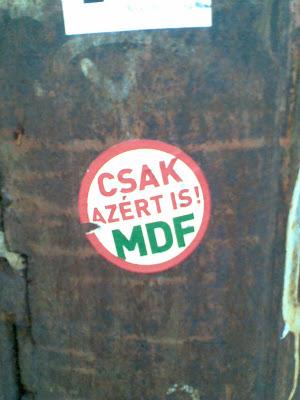 MDF, Gödör Klub, Budapest,  street art, Budapest,  matrica,  ragacs, public art, politika