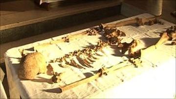 _51241674_bones_140210_still1