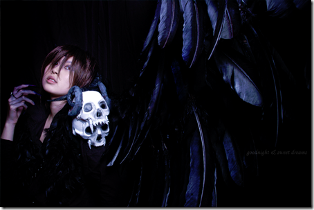 kaname vampire knight cosplay. Now here is an awesome cosplay