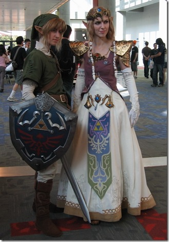 the legend of zelda cosplay - link and princess zelda