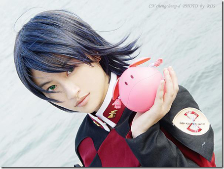 gundam seed destiny cosplay - athrun zala and pink haro by chengcheng-d photo by ros