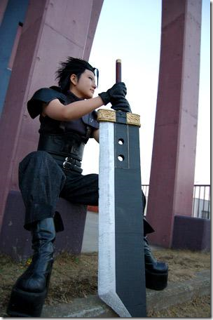 crisis core: final fantasy vii cosplay - zack fair