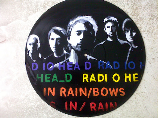 http://lh5.ggpht.com/_BkOsthGKM3U/TL2RKMfXBnI/AAAAAAAAApc/xBXUmBGsAcw/radiohead-vinil.jpg