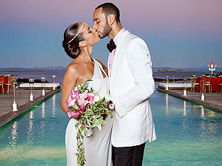 swizz-beatz-and-alicia-keys-wedding-kiss-photos