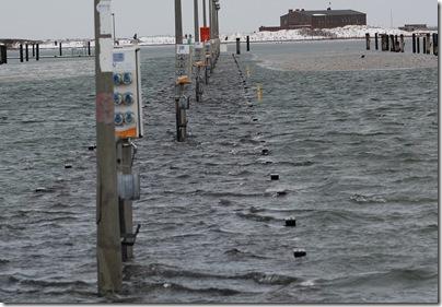 Stege unter Wasser in Heiligenhafen, H. Brune