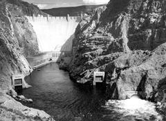 hoover-dam_1941