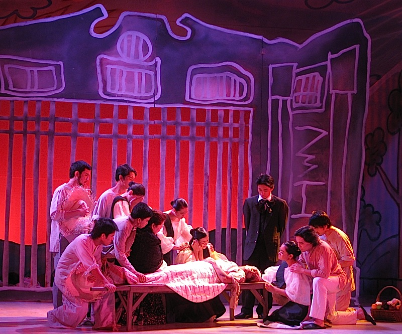 Ateneo de Manila University's production of Walang Sugat - the death of Kapitan Inggo