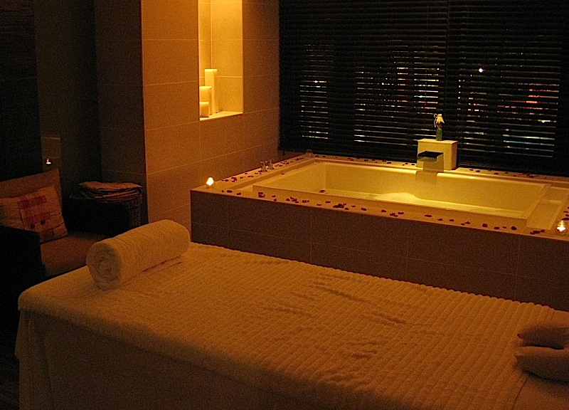 couple's massage room of Sofitel Manila's Le Spa