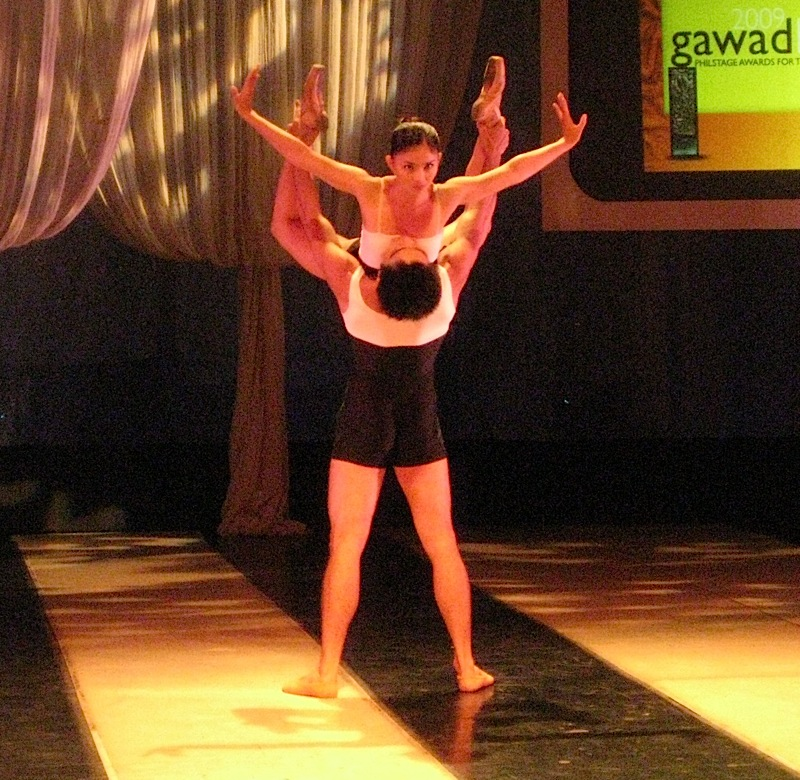 Candice Adea and Angel Gabriel of Ballet Philippines performing at the 2009 Gawad Buhay!