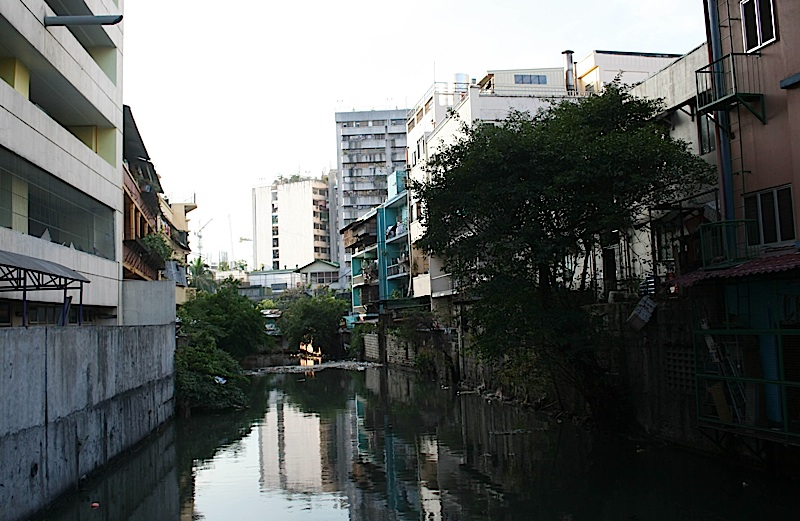 polluted estuary of Pasig River
