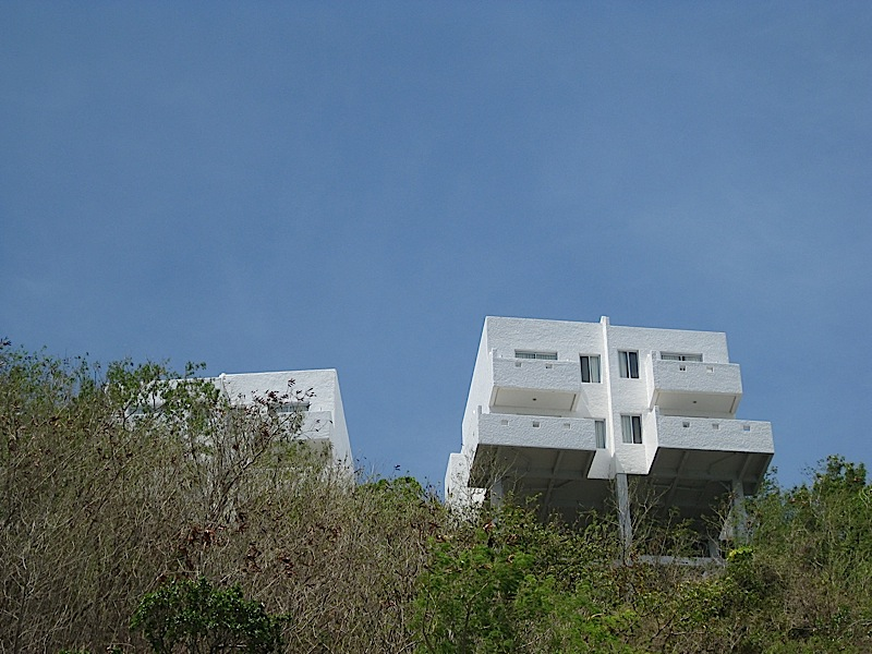 cliffside terrazas at Bellarocca Island Resort
