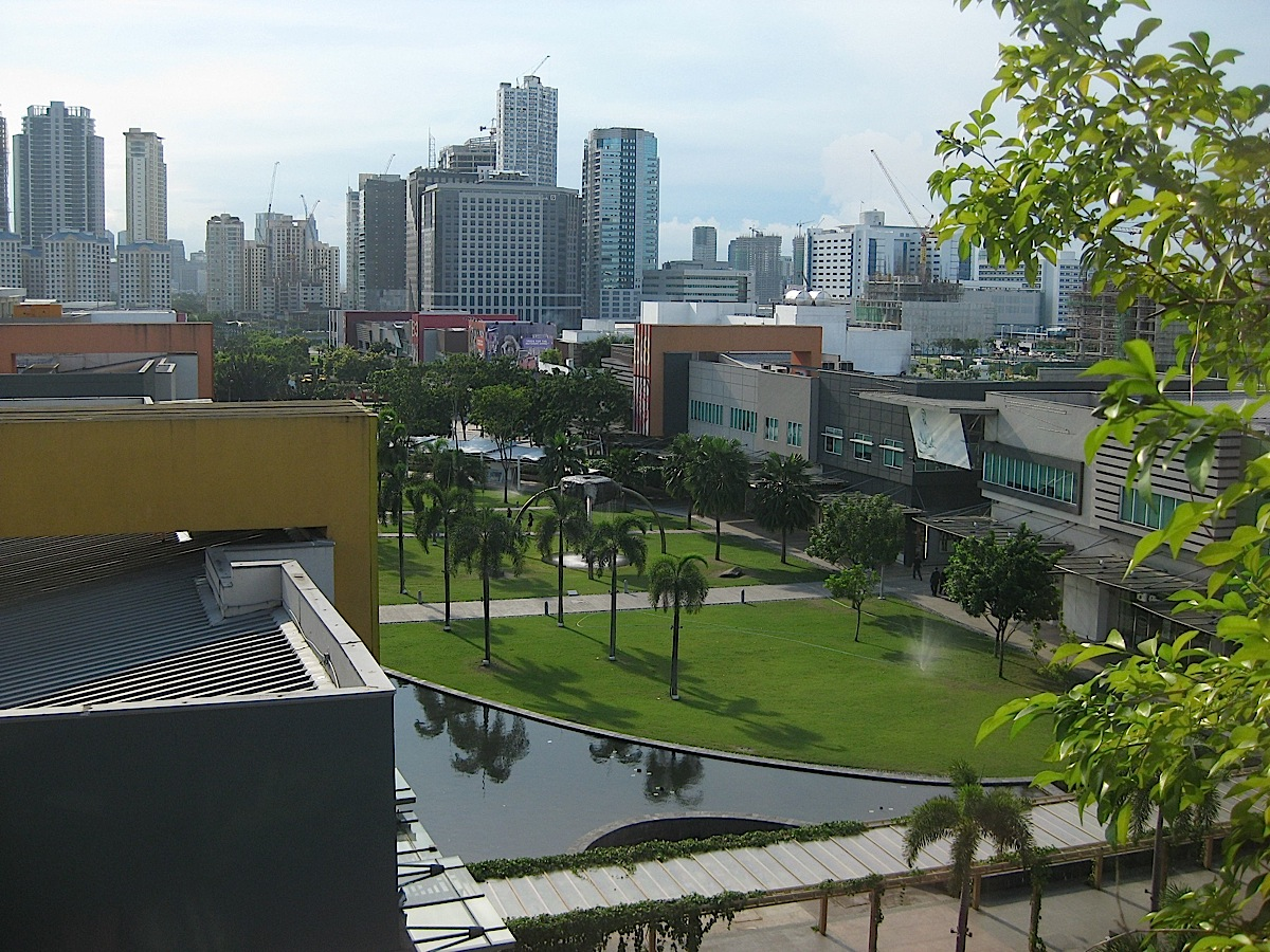 Bonifacio High Street and the tall buildings of Bonifacio Global City