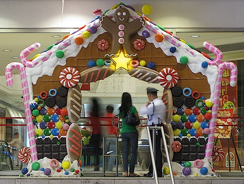 Gateway Mall's gingerbread house doorway decoration