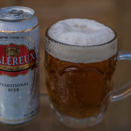 Galereux beer,cheers by Yordan Mihov - Food & Drink Alcohol & Drinks ( beer, pint, pivo, 50mm sony alpha, drinks )