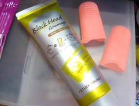 etude house black head gommage and finger gloves, by bitsandtreats